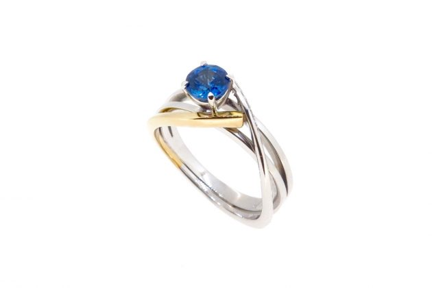 18ct white and yellow gold Sapphire engagement ring 3