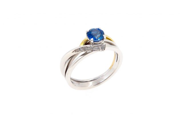 18ct white and yellow gold Sapphire engagement ring 5