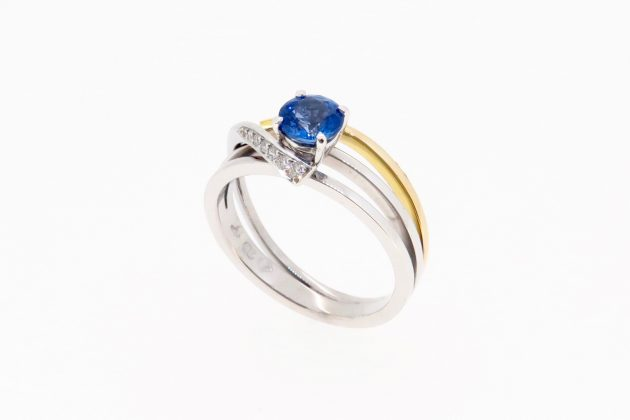 18ct white and yellow gold Sapphire engagement ring 6
