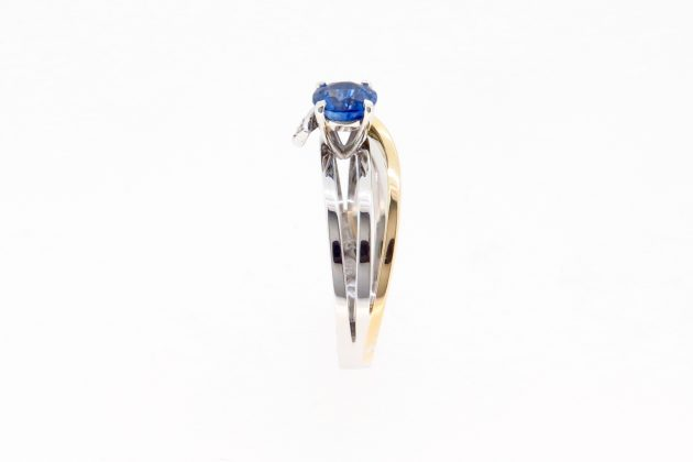 18ct white and yellow gold Sapphire engagement ring 7