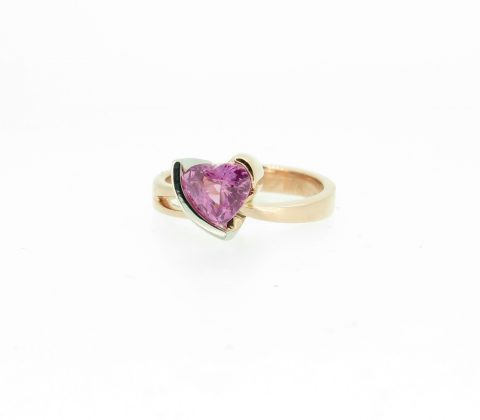 'Heart shaped pink sapphire ring 3