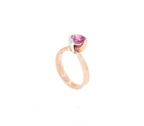 'Heart shaped pink sapphire ring 5