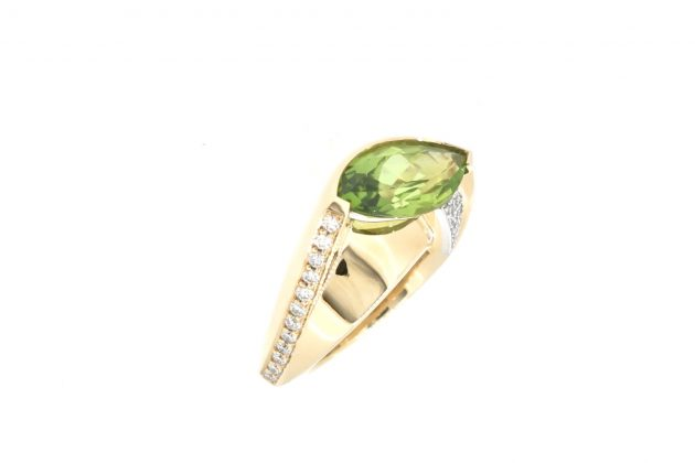 18ct Yellow gold, Platinum and Marquies Peridot with Diamonds